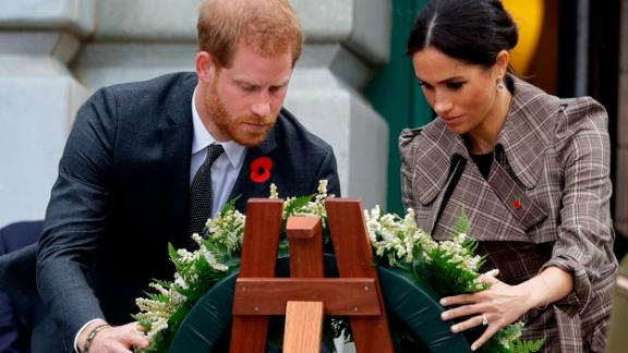 Harry and Meghan lay a wreath at the Tomb of the Unknown Warrior in Wellington, New Zealand, on Sunday.