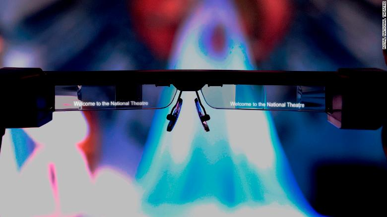 Metin gözlüklerin altına oturur.