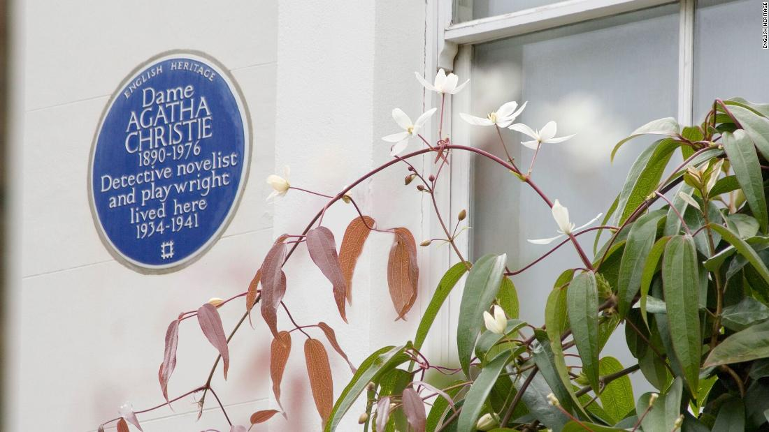 Which women deserve one of London's famous blue plaques?