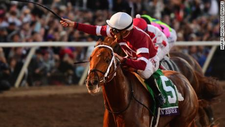 Gun Runner triumphs in the 2017 Breeders Cup Classic at Del Mar.