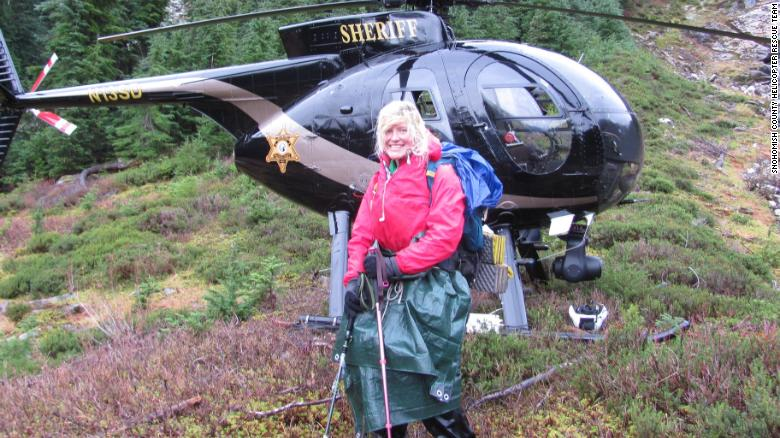 Lone hiker rescued after stranger's 911 call