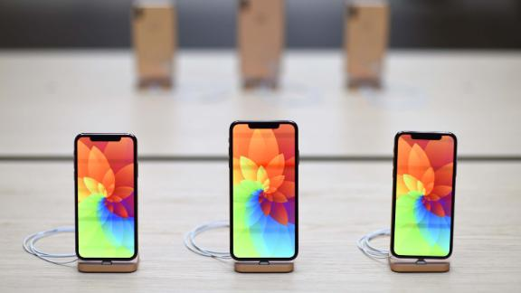 General view of the Apple IPhone XR during the Covent Garden re-opening and iPhone XR launch at Apple store, Covent Garden on October 26, 2018 in London, England.