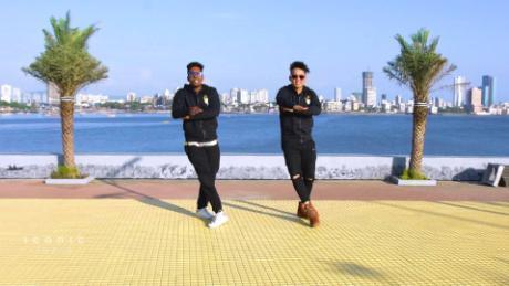 Hip hoppers scene 5