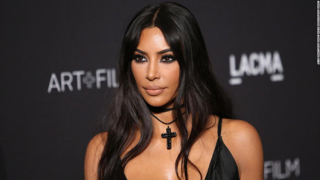 Kim Kardashian West fragt, Gouverneur von Texas zu tun