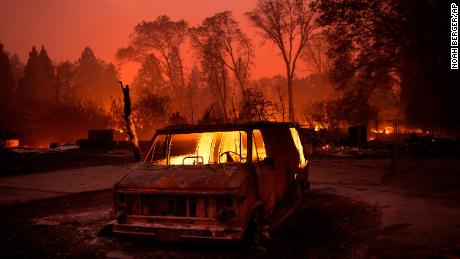 Why the California wildfires are spreading so quickly
