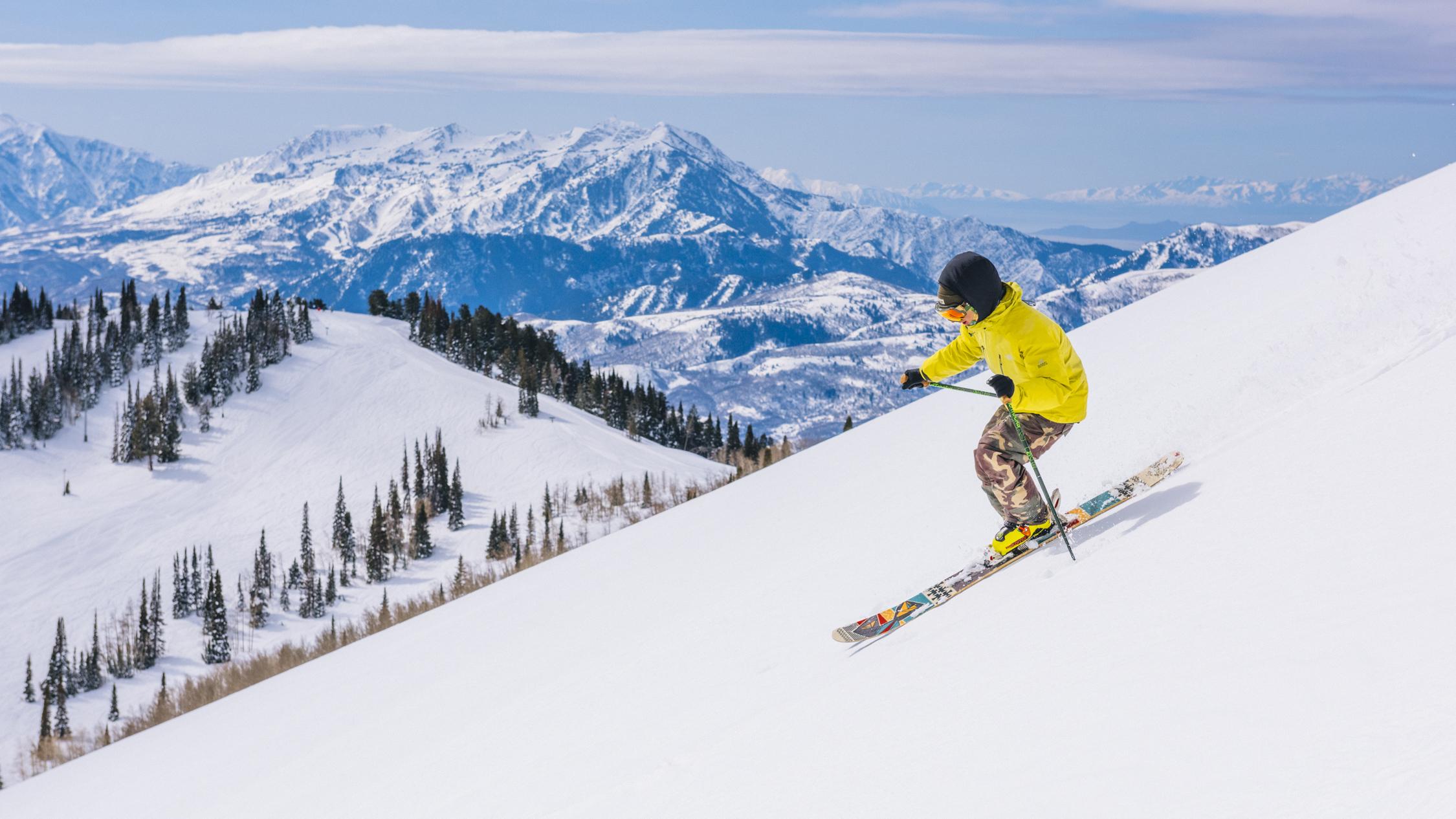 Watch Skiing video