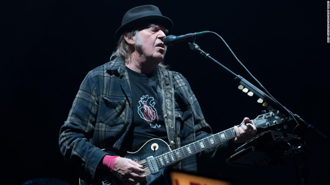 181112175541-neil-young-performing-july-2018-super-tease.jpg