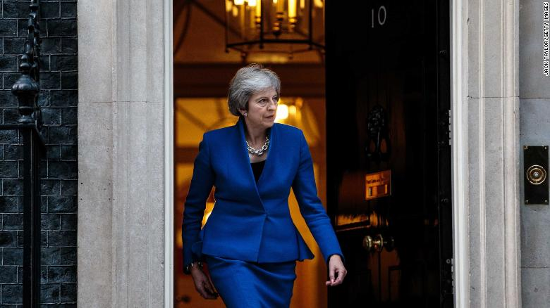 Brexit deal hangs on knife-edge as Theresa May awaits Cabinet verdict