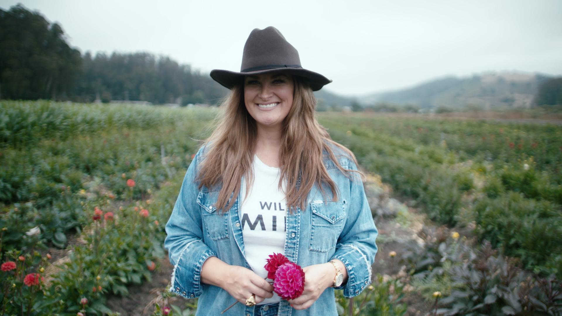 Pics farm girl Hot Farmers