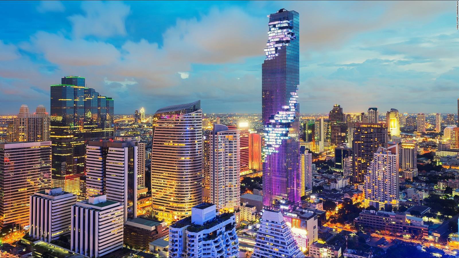 Mahanakhon SkyWalk's thrilling glass floor in Bangkok is for the brave |  CNN Travel