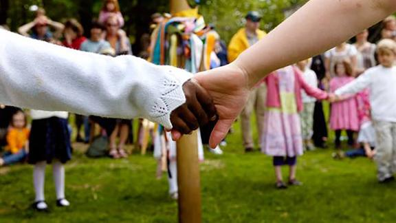 The Asheville Waldorf School in North Carolina serves students from nursery through 6th grade.