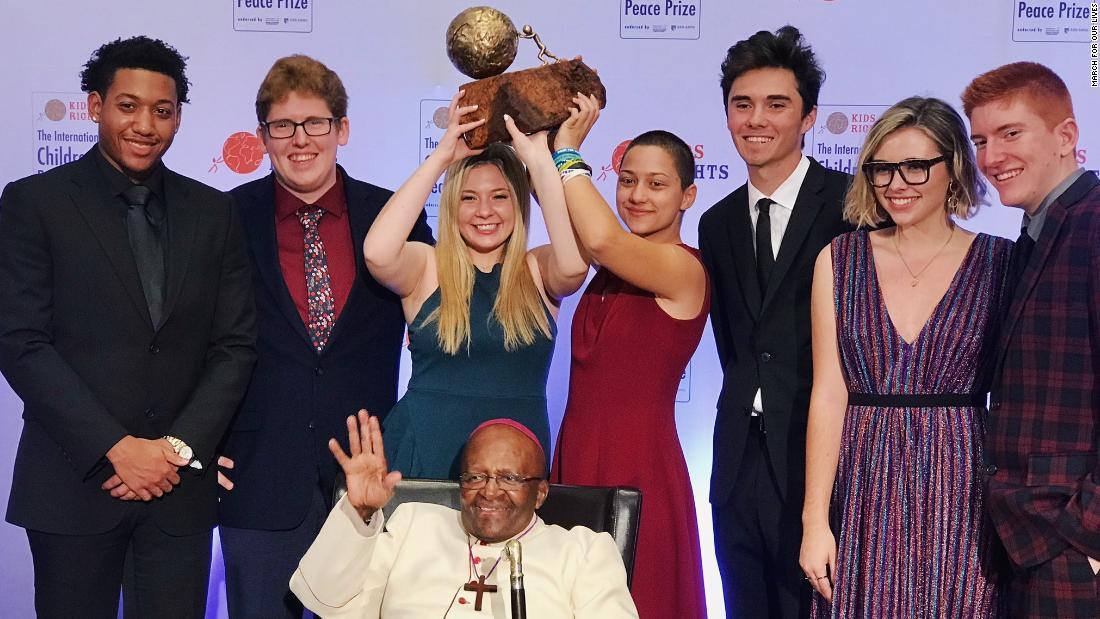 Desmond Tutu awards international peace award to Parkland students