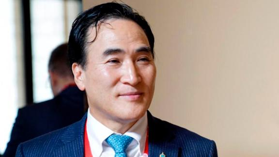 Kim Jong Yang will serve as president for the remainder of the current mandate, until 2020.