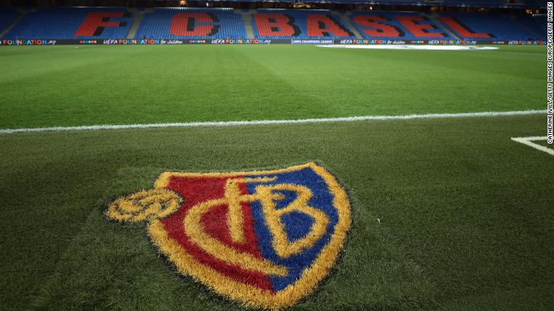 FC Basel has been criticized for its treatment of the women's team at an anniversary gala.