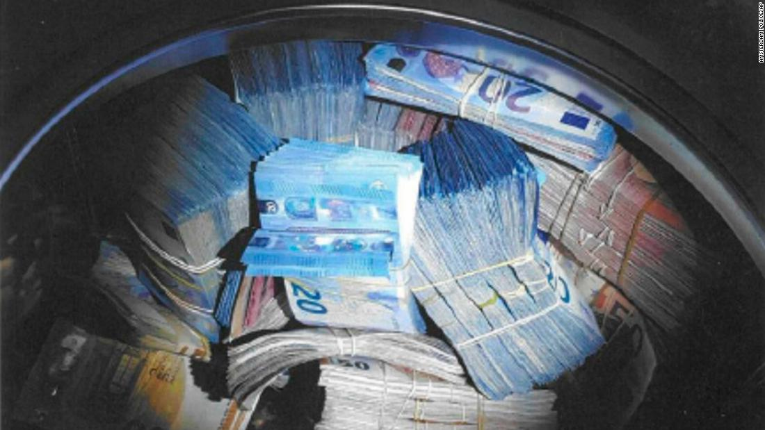 Man suspected of money laundering after $400,000 found in washing machine
