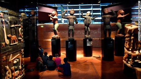France to return stolen art housed in museum