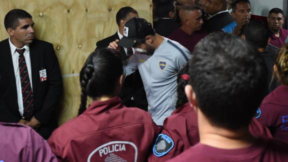 Pablo Perez of Boca Juniors needed medical treatment in a hospital due to an eye injury caused by fans that stoned the team