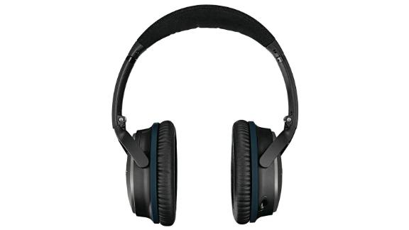 Bose QuietComfort 25 Acoustic Noise Cancelling Headphones for Apple devices  ($109.99, originally $299.95; amazon.com)