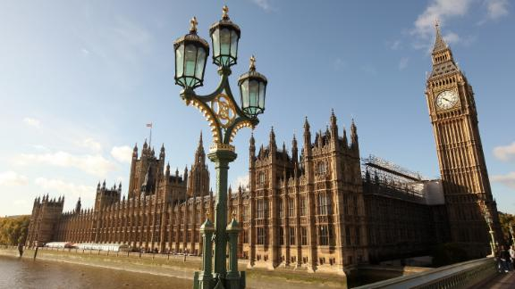 LONDON, ENGLAND - NOVEMBER 04:  A general view of the Houses of Parliament on November 3, 2009 in London, England. A review into MP's expenses published today by Sir Christopher Kelly has recommended that MP's mortgage claims should be replaced by rental claims and the employment of relatives should be phased out within five years.