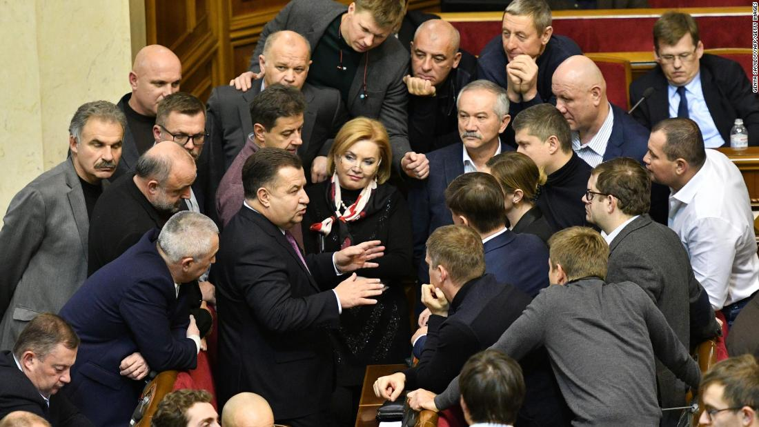 Ukrainian lawmakers approve martial law as tensions with Russia escalate