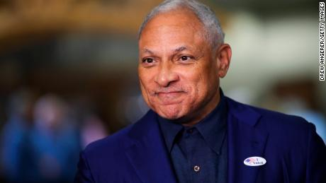 <b>Mike Espy announces he will run for Senate in Mississippi against Cindy Hyde-Smith</b>