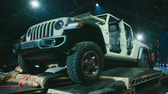 Jeep unveils the Gladiator