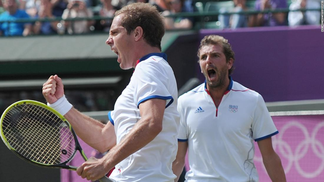 Weeks later on the grass at Wimbledon, Benneteau combined with Richard Gasquet to win bronze in doubles at the London Olympics.