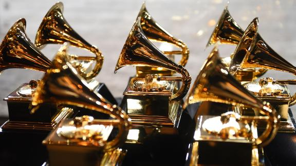 Grammy trophies sit in the press room during the 60th Annual Grammy Awards on January 28, 2018, in New York.  / AFP PHOTO / Don EMMERT        (Photo credit should read DON EMMERT/AFP/Getty Images)