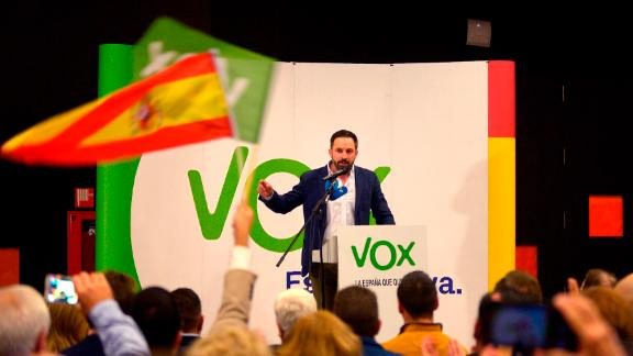 Santiago Abascal, leader of Spain's far-right party VOX, gives a speech during a campaign meeting ahead of regional elections in Andalusia, on November 26, 2018 in Granada.