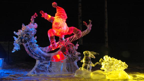 North Pole (Alaska): The Christmas in Ice festival in North Pole, Alaska, offers a giant slide and an ice sculpture contest for all those who brave the frigid temperatures.