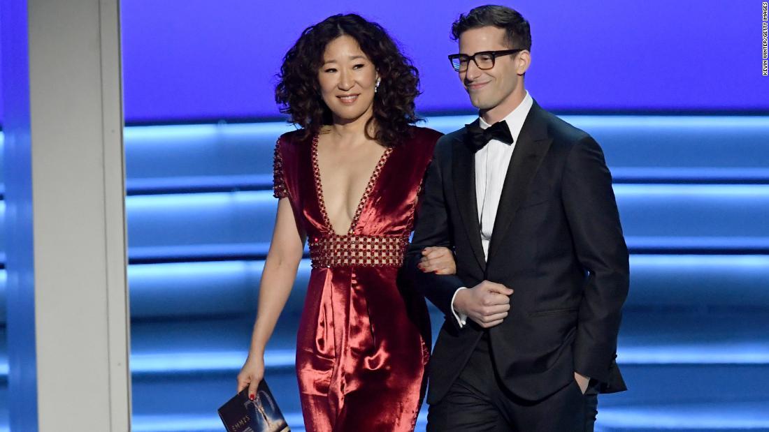 Sandra Oh and Andy Samberg will team up to host 2019 Golden Globe Awards