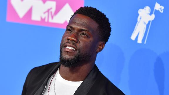 US actor/comedian Kevin Hart attends the 2018 MTV Video Music Awards at Radio City Music Hall on August 20, 2018 in New York City. (Photo by ANGELA WEISS / AFP)        (Photo credit should read ANGELA WEISS/AFP/Getty Images)