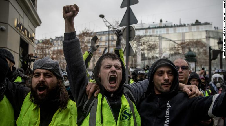 Who are France's 'yellow vest' protesters?
