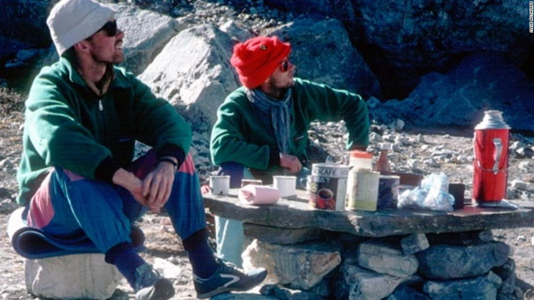 Climbers' bodies found 30 years after disappearance