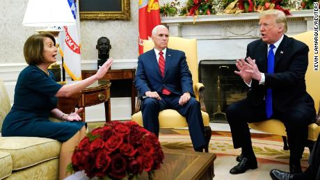 oval office images desk twitter roasts pence over oval office meeting cnn video