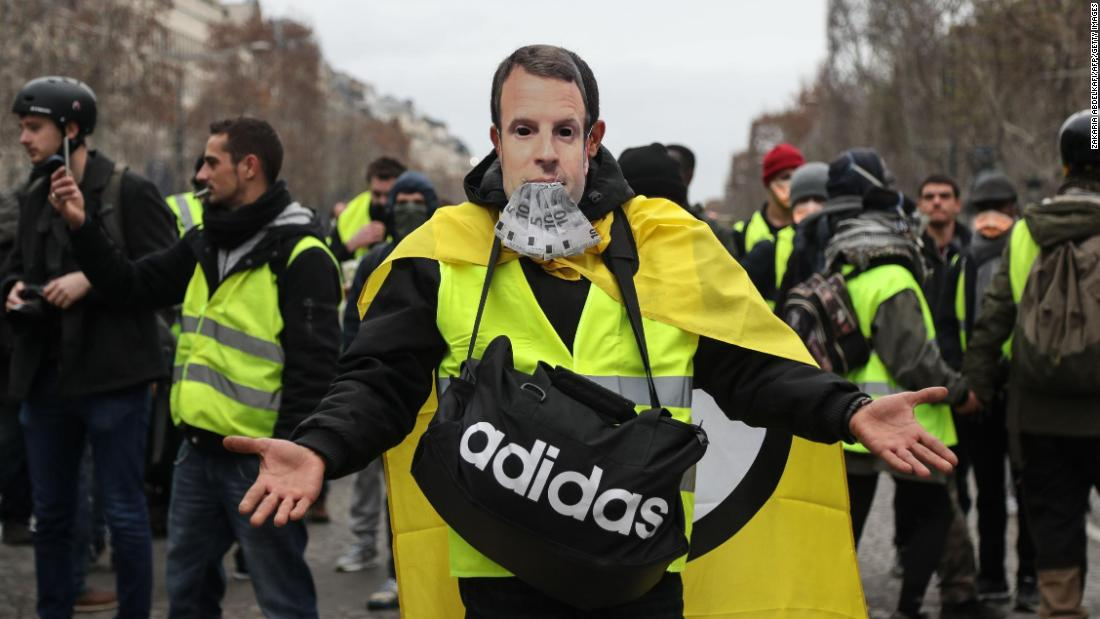 France's 'Gilets jaunes' turn out for fifth weekend of protests