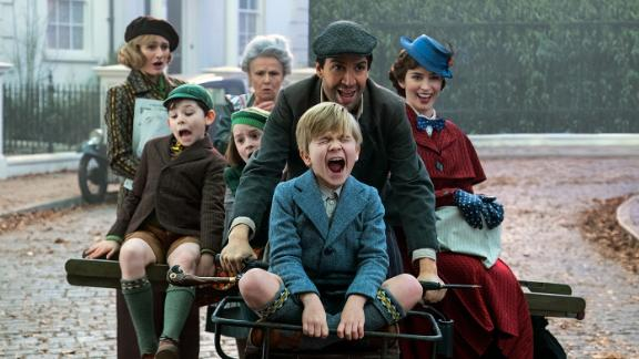 Jane (Emily Mortimer), John (Nathanael Saleh), Annabel (Pixie Davies), Ellen (Julie Walters). Jack (Lin-Manuel Miranda) Georgie (Joel Dawson) and Mary Poppins (Emily Blunt) in Disney