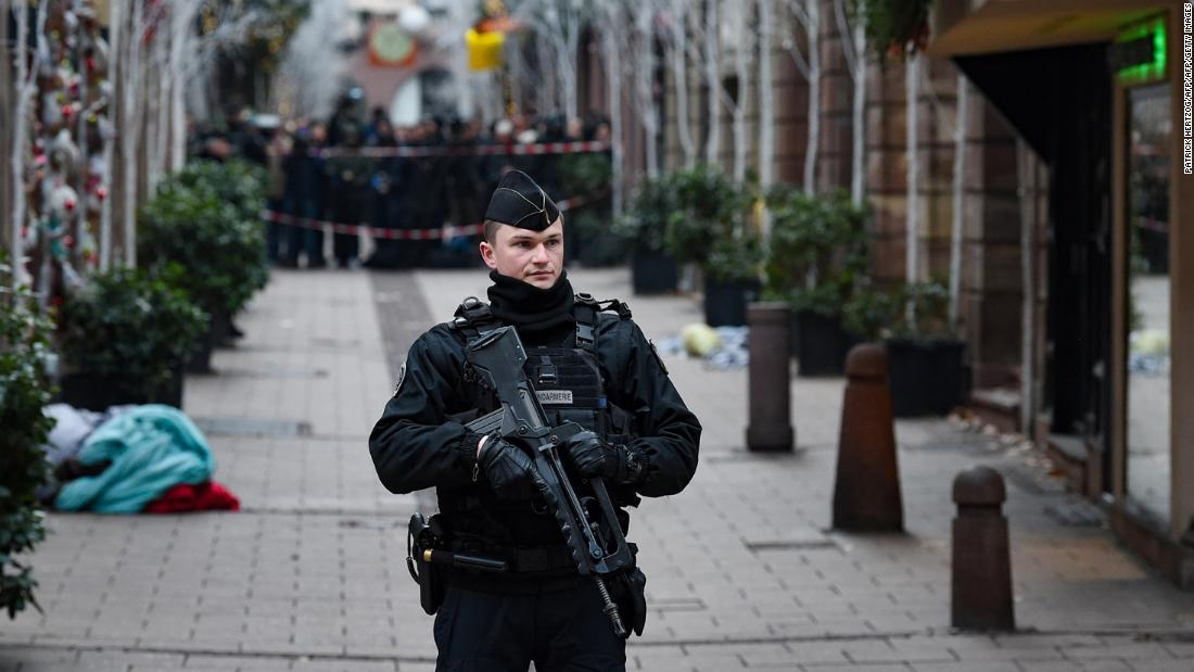 French police continue hunt for Strasbourg gunman