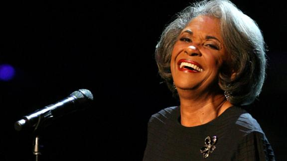 LOS ANGELES, CA - OCTOBER 28:  Recording artist Nancy Wilson performs during the Thelonious Monk Jazz Tribute Concert For Herbie Hancock at the Kodak Theatre on October 28, 2007 in Los Angeles, California.  (Photo by Frederick M. Brown/Getty Images)