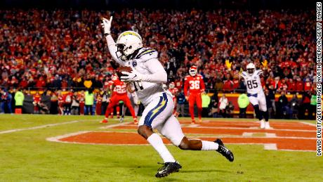 Wide receiver Mike Williams celebrates after catching a 2-point conversion with 4 seconds remaining in the game to put the Chargers up 29-28.
