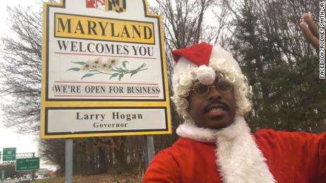 Rodney Smith Jr. is traveling across the country dressed as Santa Claus and spreading Christmas cheer to the homeless population.
