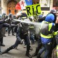 04 yellow vest protests france 1215