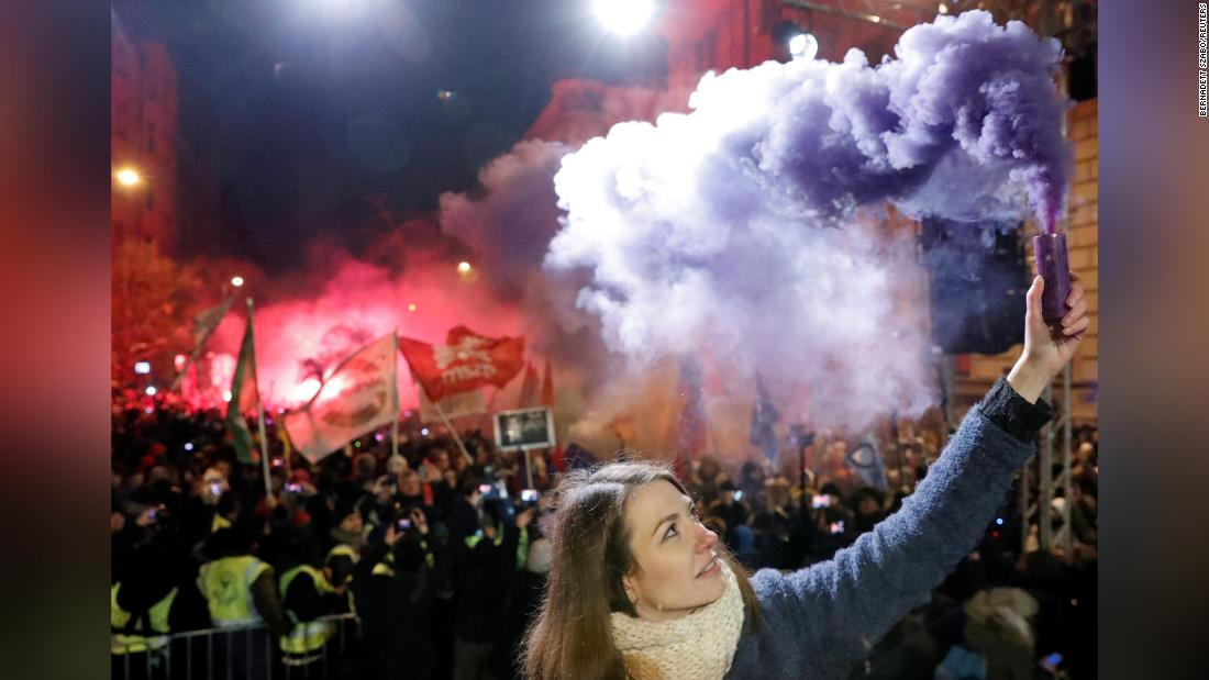 Hungary protests unite Orban opposition
