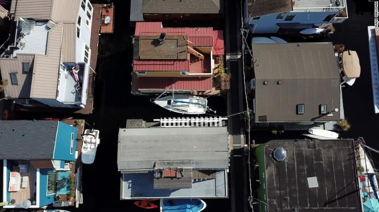 Life on the water: Inside Seattle's floating homes community