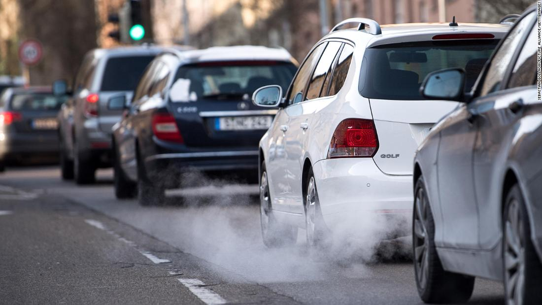 EU emissions targets 'totally unrealistic', carmakers say
