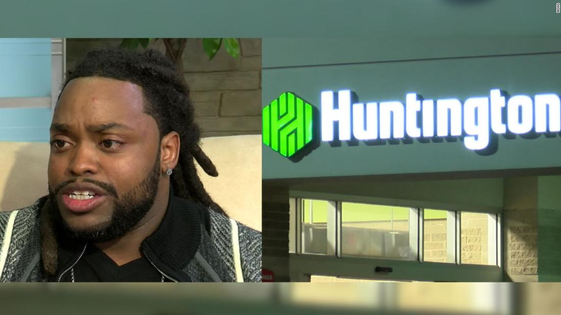 Ohio Bank Calls Police On A Black Man Trying To Cash His Paycheck Cnn