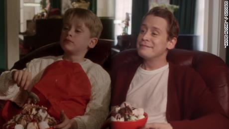 Watch Macaulay Culkin Revisit Home Alone Cnn Video