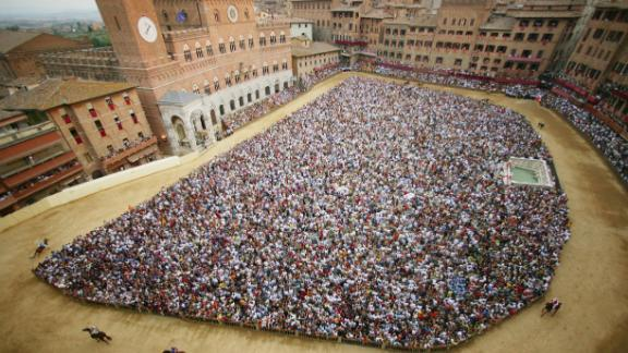 Simply put, there is no racecourse in the world quite like the Piazza del Campo in Italy. Its origins date back to medieval times when jockeys rode buffalo. The piazza is packed with spectators with racing around the outside.