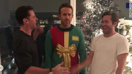 Will Smith Christmas Sweater.Ryan Reynolds Tricked In Epic Christmas Prank