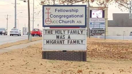 Church puts fence around Nativity scene to make statement about immigration  - CNN